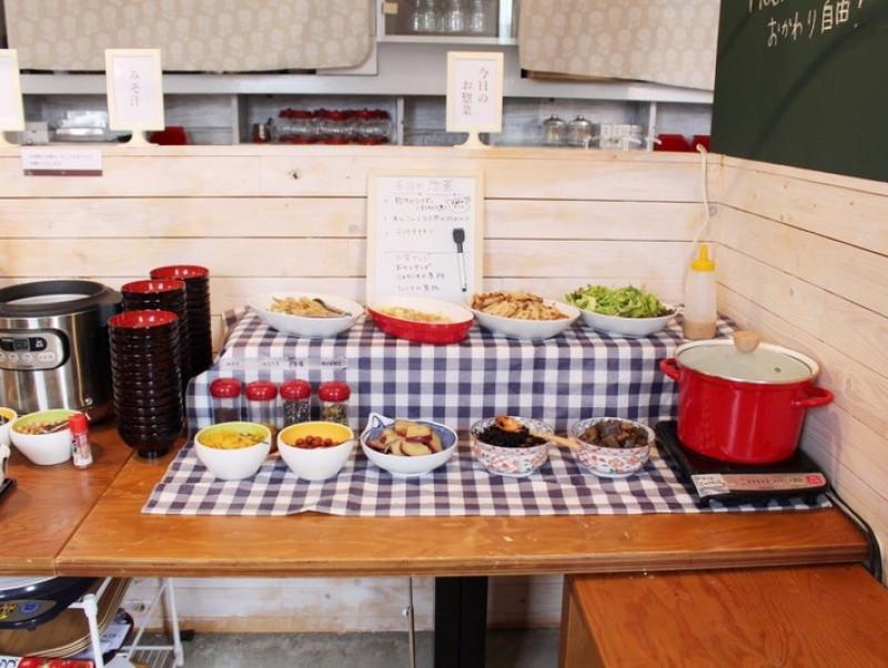 選べる「ねこまんま定食」が人気!保護猫カフェが運営する『さび食堂』がオープン